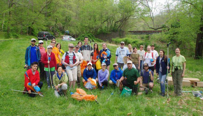 Cleanup volunteers